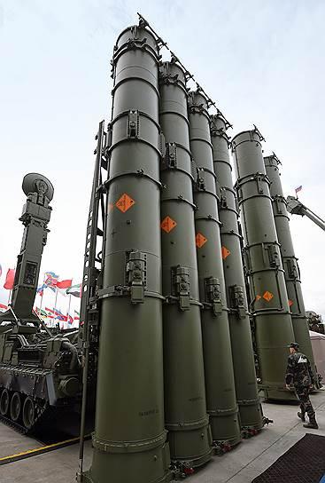 В конце сентября Россия передала Сирии 49 единиц зенитно-ракетных комплексов С-300 (на фото)