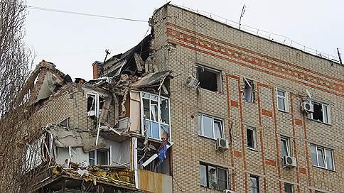 «Она постоянно жаловалась на проблемы с газом»  / В результате взрыва газа в Шахтах погибла женщина, под завалами могут находиться четыре человека