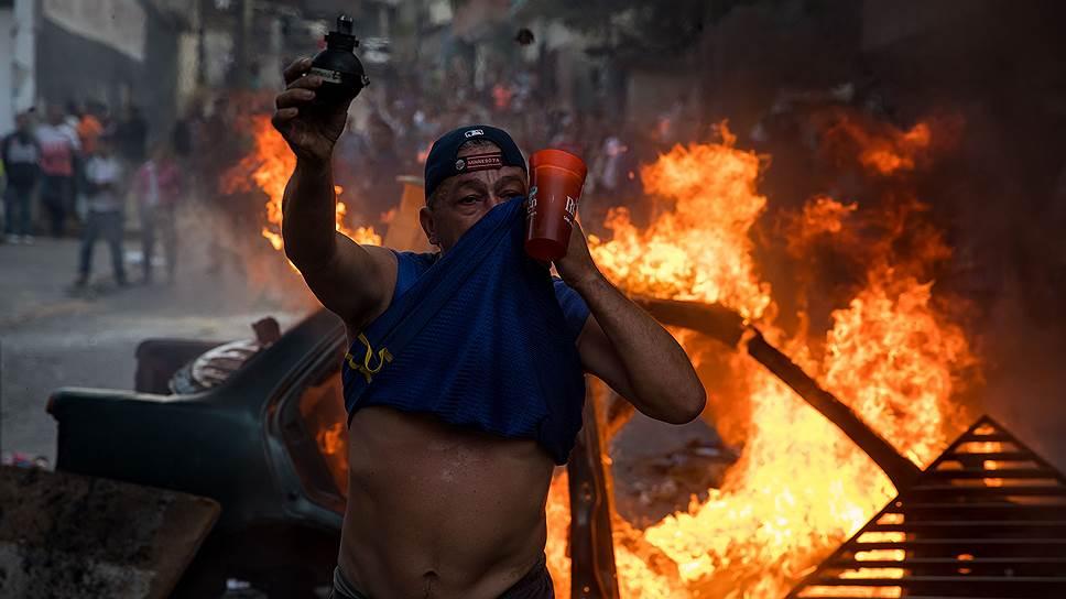 Как группа бойцов нацгвардии взбунтовалась против Николаса Мадуро