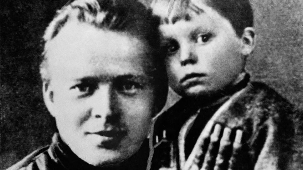 Сын Аркадия Гайдара Тимур был прототипом Альки, главного героя «Военной тайны»