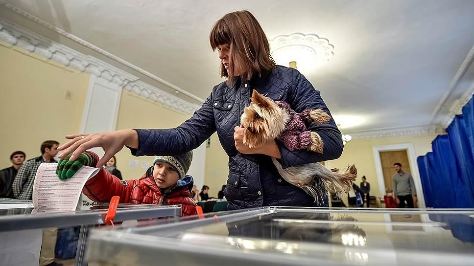 Почему Украина не хочет пускать на выборы российских наблюдателей