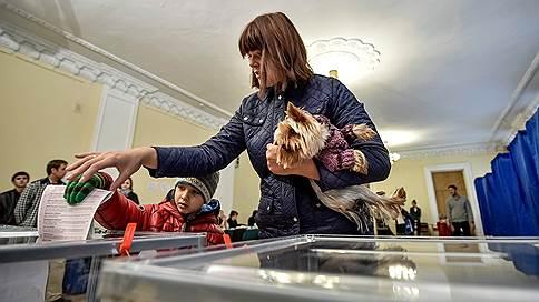 Принуждение к скандалу // Россия отправит на Украину наблюдателей, которых Киев пообещал не впустить