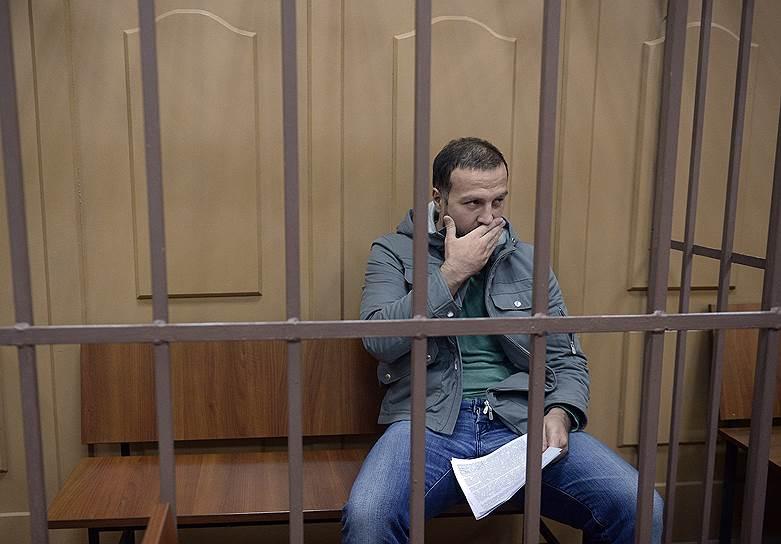 <strong>Алан Кятов,  директор АО «Ессентукигоргаз», директор филиала ООО «Газпром межрегионгаз Ставрополь»  в Ессентуках</strong><br>  1 февраля стал седьмым фигурантом уголовного дела о хищении природного газа у «Газпрома» на 30 млрд руб. В тот же день Басманный суд Москвы санкционировал его арест