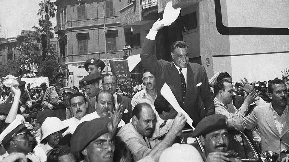 Президент Гамаль Абдель Насер стал некоронованным королем Ближнего Востока после национализации Суэцкого канала (1956 год)