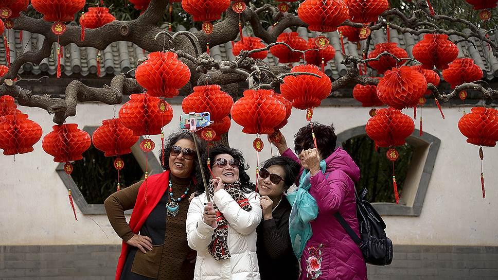 У китайского Нового года нет фиксированной даты празднования, поскольку он вычисляется по восточному лунно-солнечному календарю. Дата варьируется между 21 января и 21 февраля. В этом году он наступил 5 февраля в 5:03 по пекинскому времени