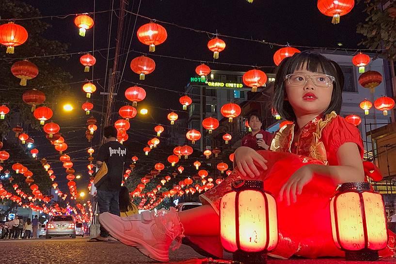 В 15-й день первого месяца по лунному календарю в Китае отмечается праздник фонарей, в этот день устраивают театральные представления