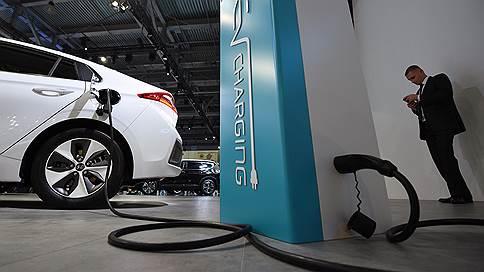 Морозы и жара разряжают электромобили  / Эксперты признали это вслед за автовладельцами