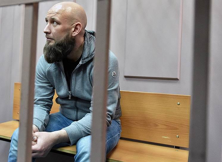<b>Максим Владимиров, гендиректор НАО «ПКБ» </b><br>По версии следствия, участвовал в мошеннической сделке по возвращению долга банку «Восточный» в 2,5 млрд руб. акциями люксембургской компании IFTG. Арестован