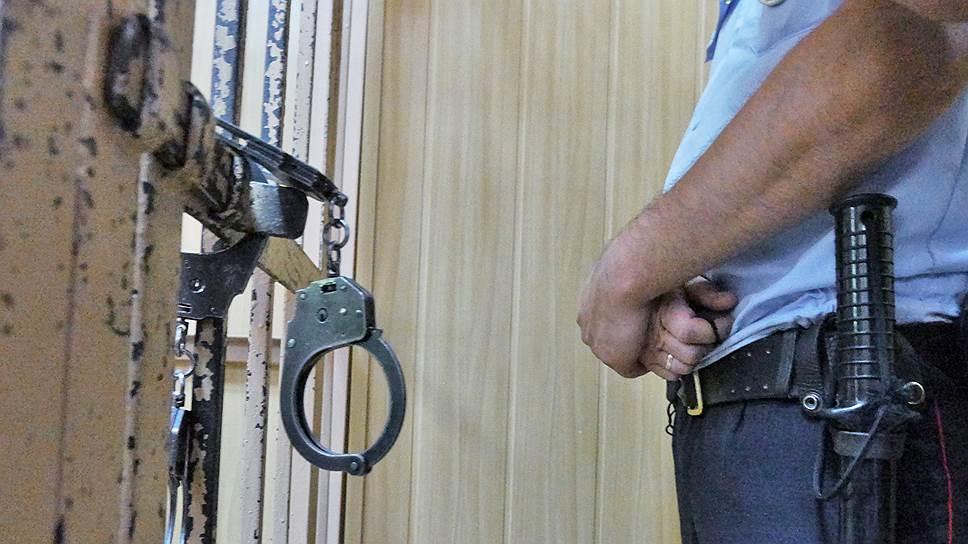 В каких условиях содержат арестованных по делу Майкла Калви