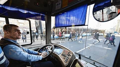 В ПДД пропишут ограничения времени // Водителям грузовиков и автобусов запретят находиться за рулем более девяти часов в сутки