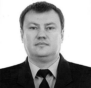<b>Дмитрий Сенин, полковник ФСБ, свояк полковника Захарченко</b> <br>По версии следствия, выступал посредником при получении Дмитрием Захарченко взятки от владельца ресторана La Maree Меди Дусса. Скрылся от следствия, объявлен в розыск