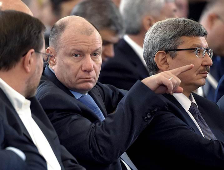 6-е место. Основной владелец «Норильского никеля» Владимир Потанин (в центре) — $18,1 млрд