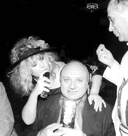 В 1972 году Михаила Жванецкого пригласили в Московский театр миниатюр (впоследствии «Эрмитаж») на должность помощника главного режиссера. В эти годы он приобрел всесоюзную известность