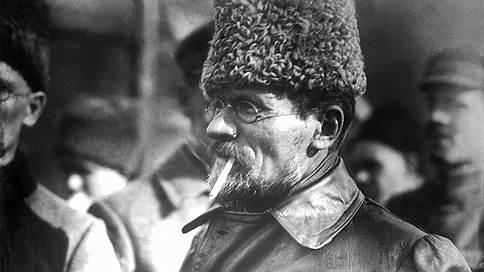 Фотофакт  / Как быстро обуржуазился скромный глава советского государства