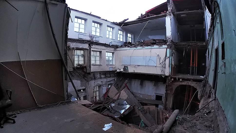 Обрушение здания ИТМО