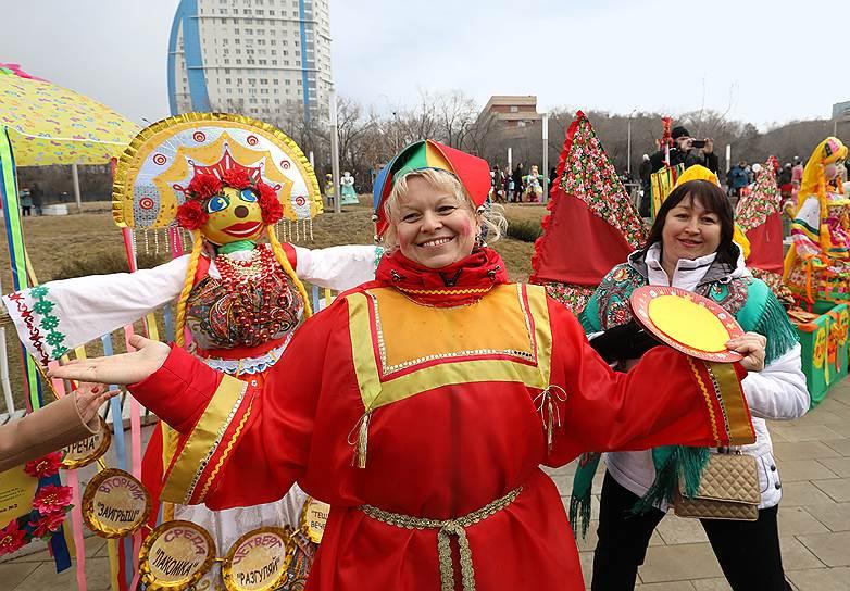 Празднование Масленицы в Волгограде