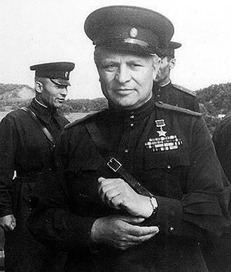 Генералы О.А. Лосик и Н.В. Моргунов на полигоне 240-го танкового полка, Дальневосточный военный округ, 1965 год