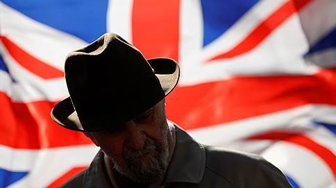 «Брексит» ждет туманное будущее  / Британский парламент решил отложить выход из ЕС