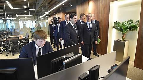 Чиновников уплотнили в «Москва-Сити»  / Дмитрий Медведев проверил новый офис трех министерств