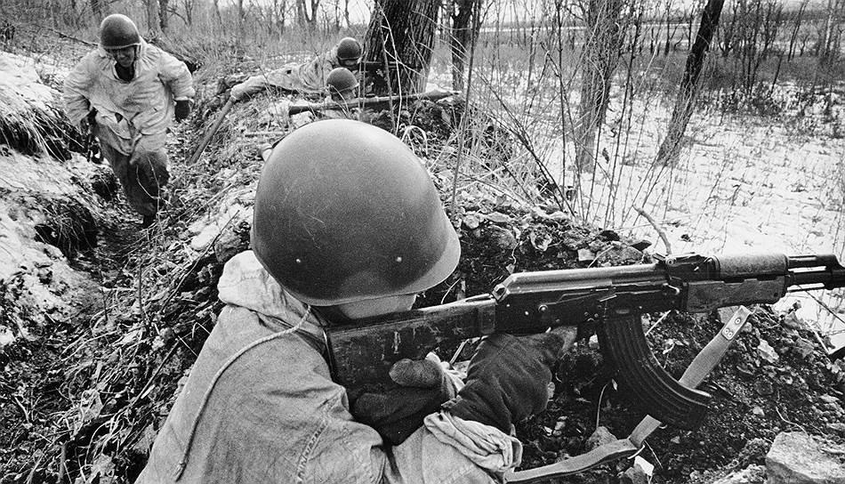 Участники отражения вооруженной провокации китайцев на советско-китайской границы в районе острова Даманский