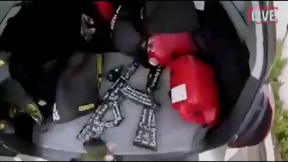 Кадр с прямой трансляции террориста