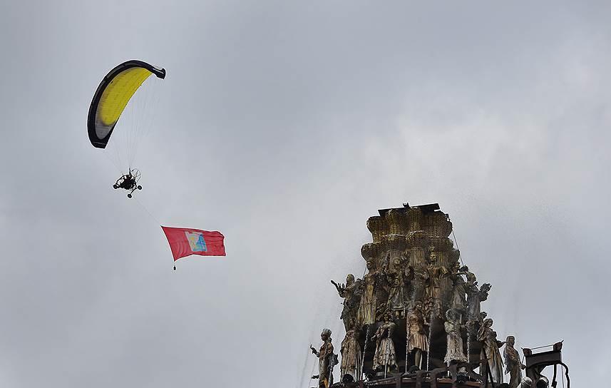 На горе Гасфорта в Севастополе прошел воздушный вальс парапланов