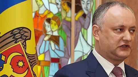 Додон по особым поручениям // Москва мобилизует молдавского президента на защиту демократии от демократов