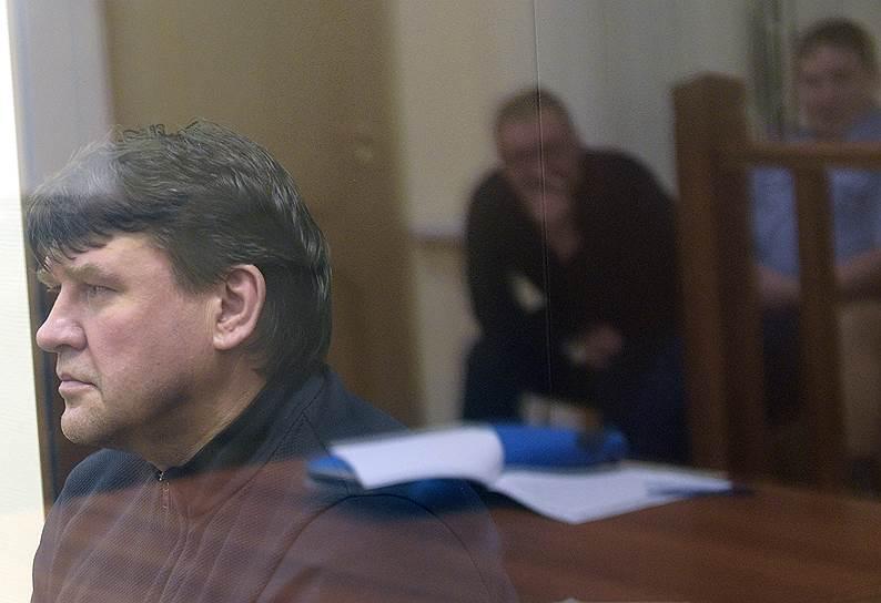 <b>Александр Пелипасов, бывший генеральный директор компании ОАО «Новосибирскэнерго»</b> <br>По данным следствия, является одним из соучастников мошеннической схемы экс-министра Михаила Абызова. Арестован до 25 мая
