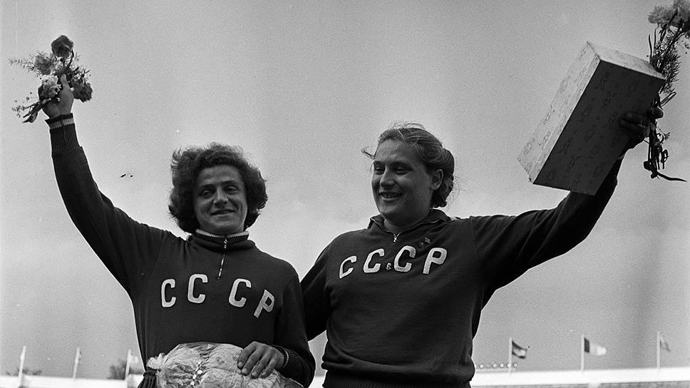 Легкоатлетки Ирина (слева) и Тамара Пресс