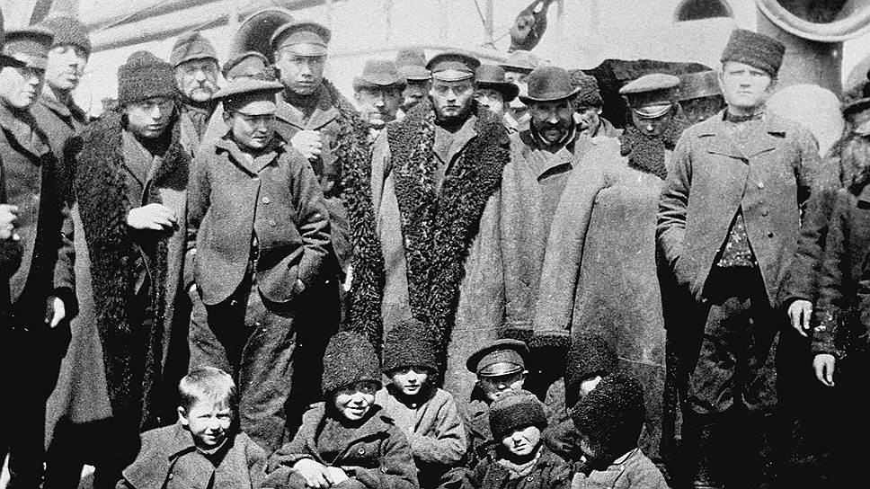 Американских эмиграционных чиновников удивляло не столько обилие палубных пассажиров из России, сколько то, что они, заработав, уезжали обратно на родину
