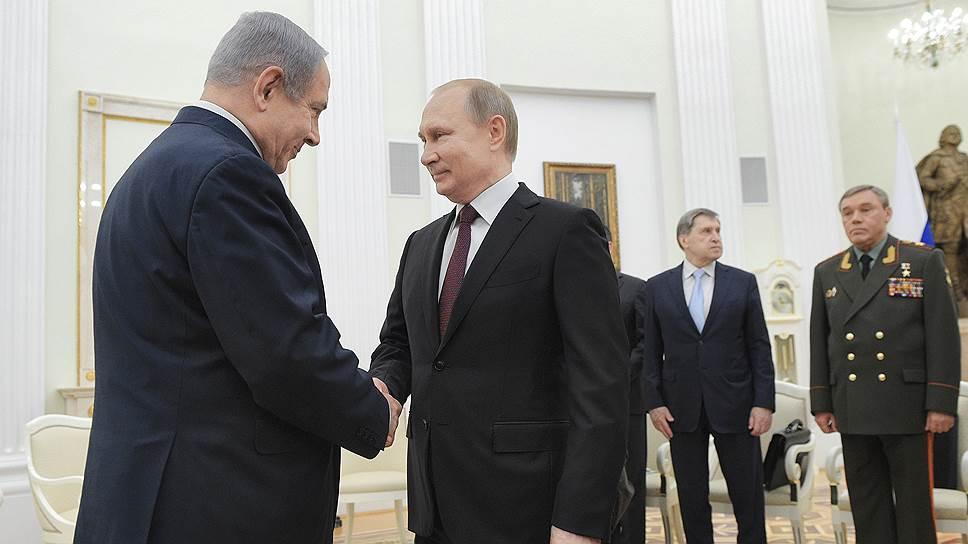Премьер-министр Израиля Биньямин Нетаньяху (слева) и президент России Владимир Путин