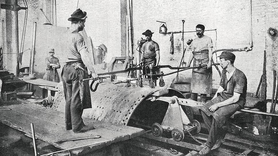 На заводе М. У. Болдуина в Филадельфии (на фото), как и на многих других американских предприятиях, русские рабочие зарабатывали в месяц столько же, сколько дома за год