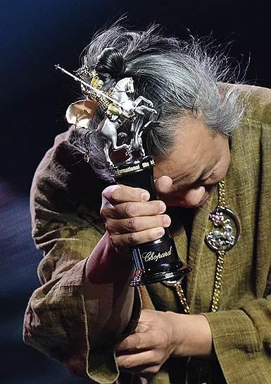 25 апреля, Москва. Южнокорейский режиссер Ким Ки Дук на церемонии закрытия 41-го Московского международного кинофестиваля