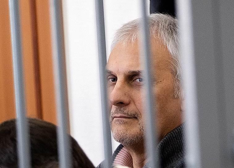 9 апреля, Южно-Сахалинск. Бывший губернатор Сахалинской области Александр Хорошавин на заседании областного суда