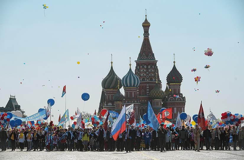 Всего по стране в первомайских манифестациях должны принять участие около трех миллионов человек
