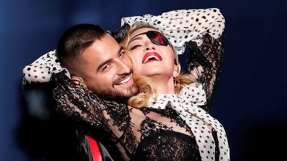 Мадонна и колумбийский певец Малума исполнили на церемонии совместную песню «Medellin» — первый сингл из нового альбома певицы «Madame X», который выйдет 14 июня