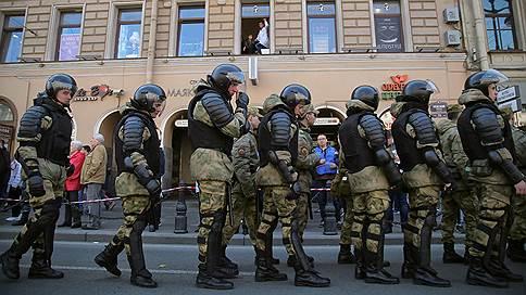 Первомайские аресты в Санкт-Петербурге вступили в силу  / Суд впервые признал превращение согласованной акции в несогласованную