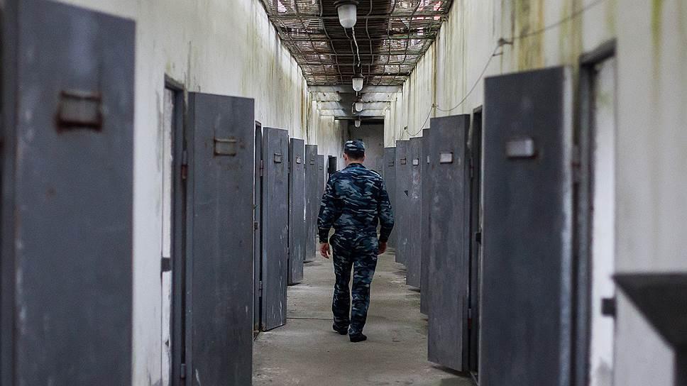 Почему российские суды предпочитают лишать граждан свободы
