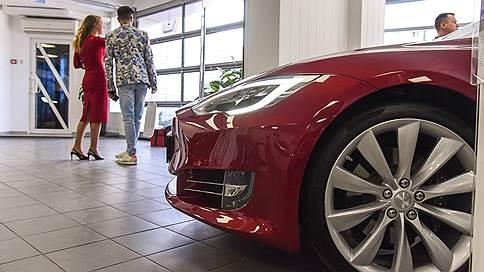 Автопилот Tesla водит хуже людей  / Журнал Consumer Reports нашел серьезные недостатки новой версии беспилотного ПО