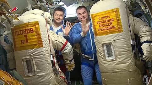 Из космоса вынесли полотенце