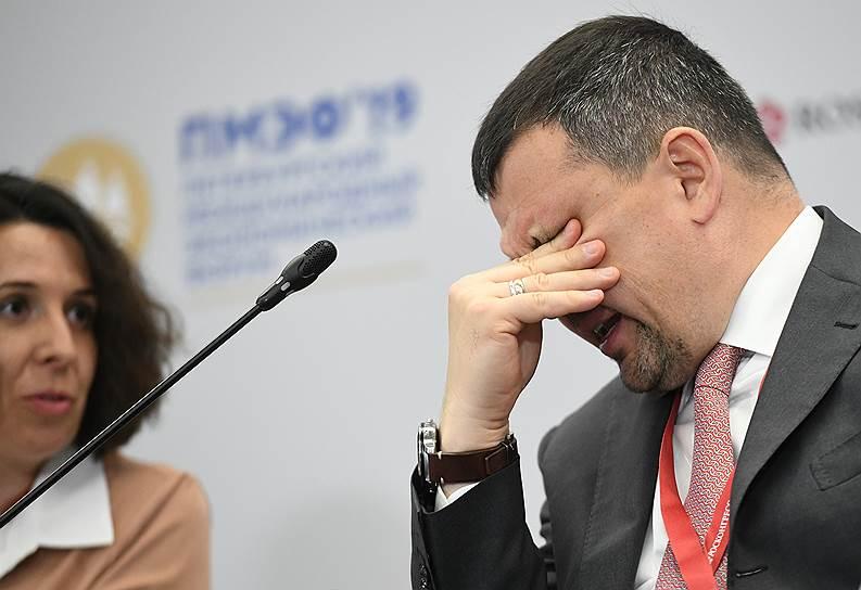 Зампред правительства России Максим Акимов на заседании на тему «В погоне за искусственным интеллектом. Кто победит в глобальном соревновании?»