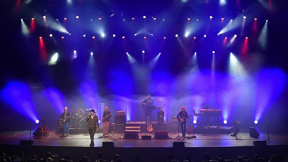Участники группы Alan Parsons Live Project