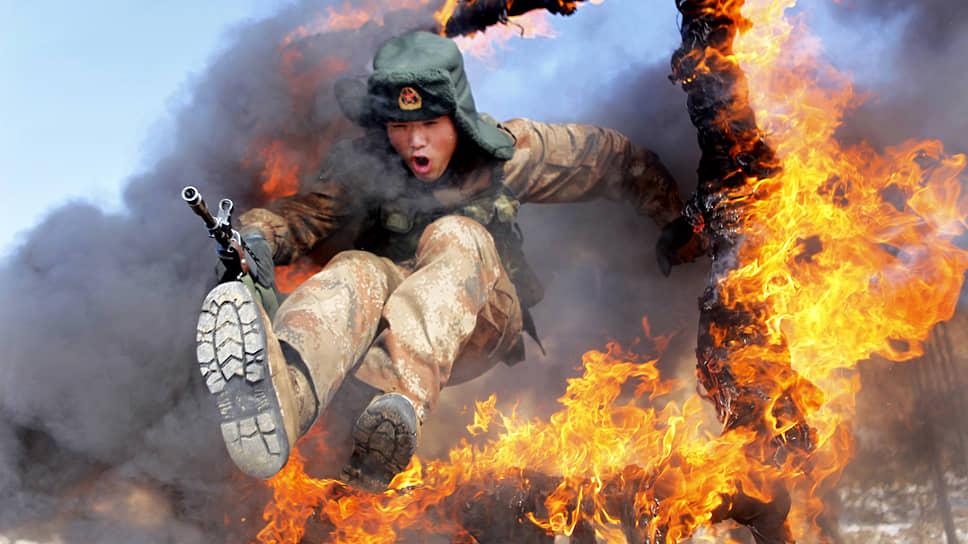Вся китайская рать  / Из чего состоит армия Поднебесной и кому стоит ее опасаться