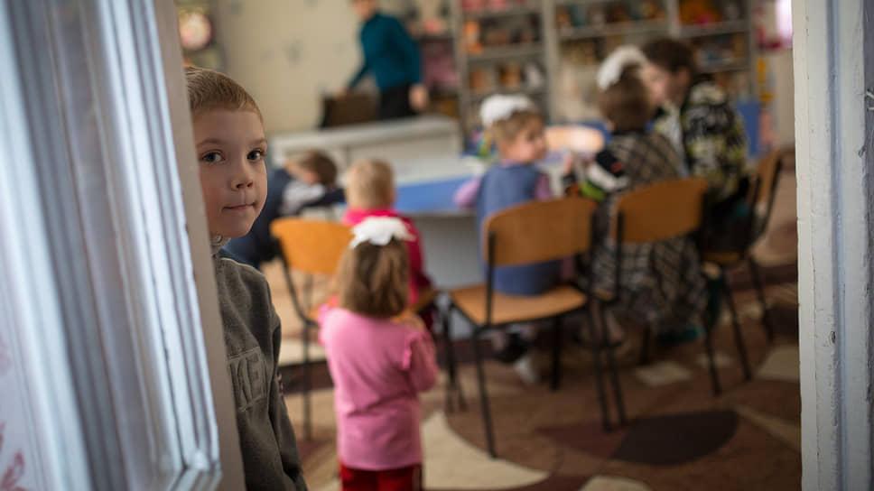 Число усыновленных иностранцами сирот из России сократилось в девять раз за семь лет
