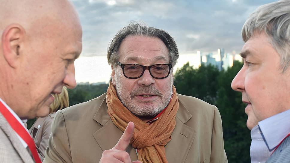 Президент агентства «Рекламный картель» Игорь Янковский (в центре)