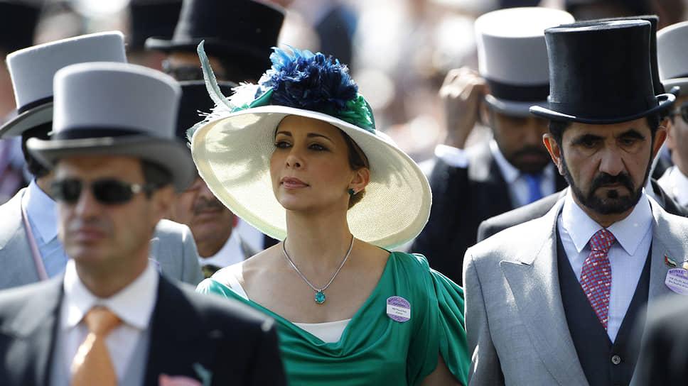 Принцесса Хайя бинт аль-Хусейн и эмир Дубая Мухаммед бен Рашид аль-Мактум на королевских скачках в Аскоте в 2010 году