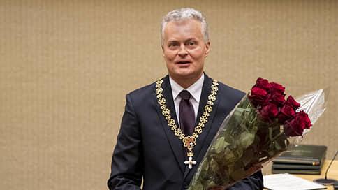 Новый президент Литвы пообещал не менять стратегический курс  / Гитанас Науседа принес присягу на верность республике