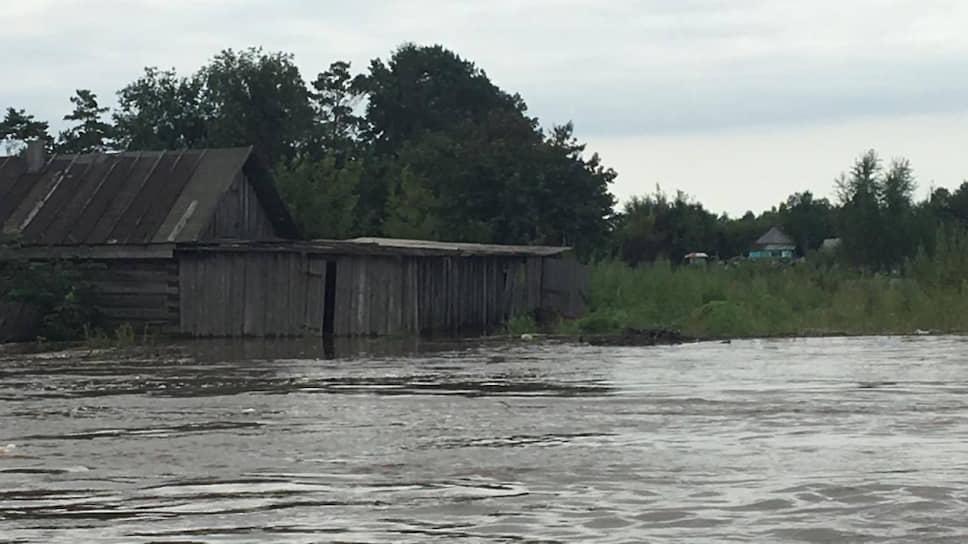 Более 42 тыс. человек частично или полностью лишились имущества из-за наводнения