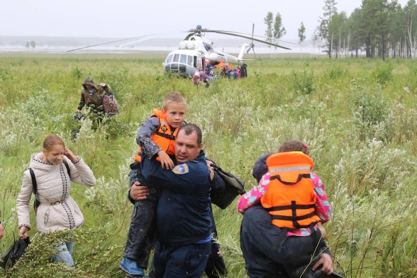В ночь с 28 на 29 июля из-за наводнения в Иркутской области было эвакуировано более тысячи человек