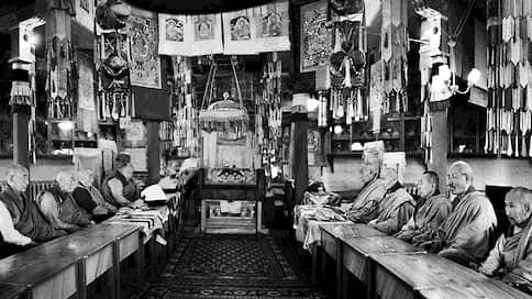 «Основные кадры ламства развеяны»  / Чем марксизм мог победить буддизм